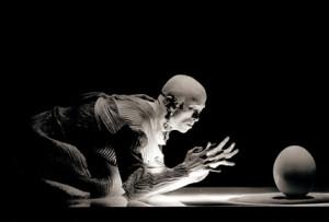 Ushio Amagatsu dialogue avec la gravité - Unestsu
